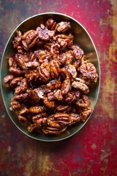 Chocolate Chili Spiced Pecans on healthyseasonalrecipes.com #glutenfree