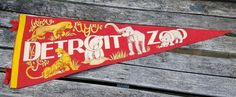Old Souvenir Felt Pennant DETROIT ZOO Animals Lion Tiger Bear Elephant Hippo