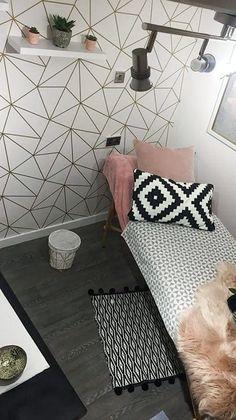 I Love Wallpaper Zara Shimmer Metallic Wallpaper White Gold - Feature Wall Bedroom, Bedroom Wall, Bedroom Decor, Zara Home Bedroom, Gold Rooms, Cute Room Decor, Metallic Wallpaper, Teenage Room, Home Room Design