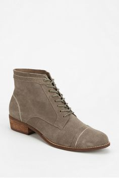 Dolce Vita Sylo Lace-Up Ankle Boot  Taupe or Maroon Size 7