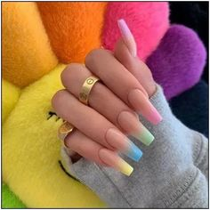Semi-permanent varnish, false nails, patches: which manicure to choose? - My Nails Simple Acrylic Nails, Best Acrylic Nails, Acrylic Nails Pastel, Simple Nails, Acrylic Nail Designs For Summer, Acrylic Summer Nails Coffin, Bright Summer Acrylic Nails, Nagellack Trends, Fire Nails