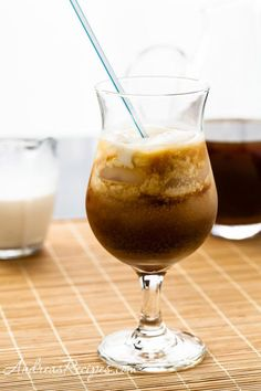 Low Sugar Thai Iced Tea - Watching your sugar intake? This recipe will allow you to enjoy a delicious Thai iced tea without the guilt. See it here.
