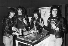Image detail for -The Ramones - Live At Musikladen, Alemania (show entero) - Taringa!