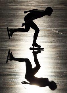 Speed Skating from Yelsew Felype Santos Diaz Motion Photography, White Photography, Olympic Sports, Olympic Games, Ice Skating, Figure Skating, Snowboard, Blog Fotografia, Speed Skates