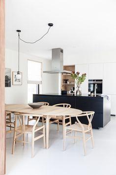 The best Dining Room Lighting Ideas – Top Trend – Decor – Life Style Dining Room Design, Interior Design Kitchen, Dining Room Table, Kitchen Dining, Kitchen Decor, Dining Rooms, Wood Table, Home Interior, Modern Dining Room Lighting