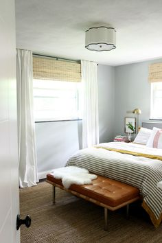 benjamin moore curtains and living rooms on pinterest. Black Bedroom Furniture Sets. Home Design Ideas