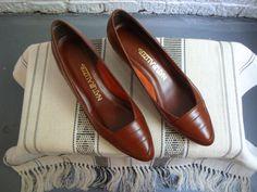 vintage 80s naturalizer brown leather pumps, size 8