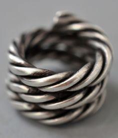 spiral band Dong group (private collection Linda Pastorino)
