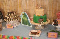Moana party decorations - cake table, homemade coconut cake pops Moana Party Decorations, Cake Table, Cake Pops, Cake Decorating, Coconut, Party Ideas, Homemade, Cakepops, Ideas Party