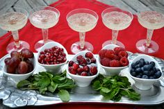 "Kids' holiday ""mocktail"" bar with non-alcoholic bubbly and fresh fruit"