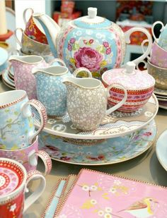Pip Studio tea set, i love pip. Pip Studio, Vintage China, Vintage Tea, Vintage Pyrex, Cocina Shabby Chic, Decoration Inspiration, My Tea, High Tea, Tea Time