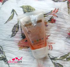 Makeupert: The Nature's Co Sandalwood Face Wash Review