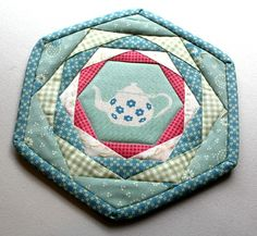 A Quilter's Table: Patchwork, Please! :: Happy Hexagon Trivet