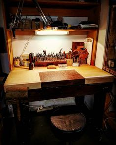 Looks great!  Repost from @freddiematara -  Platform built today for my tooling bench!  #leather #leatherwork #leathercraft #leathergoods #leathertools #maker #craftsman #leatherstudio #leathersmith #altier #leatherworkbench #tooling #stamping #tandyleather #handcrafted #handsewn #handstitched #leathershop #craftool #barryking #alstohlman #csosborne #handmade #handtooled #workshop #leatherworkshop #workbench #vergezblanchard
