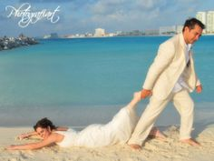 M Pre Wedding Poses, Wedding Couple Photos, Funny Wedding Photos, Beach Wedding Photos, Beach Wedding Photography, Pre Wedding Photoshoot, Wedding Pictures, Beach Wedding Men, Beach Wedding Groomsmen