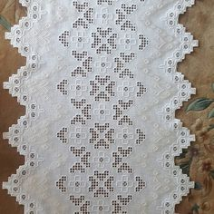 Renta, Embroidery, Sewing, Instagram Posts, Model, Table Runners, Dots, Needlepoint, Dressmaking