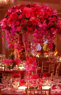 12 Stunning Wedding Centerpieces- Part 15 by Belle The Magazine  Roses!!   I love this!