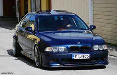 BMW E39 5 series blue