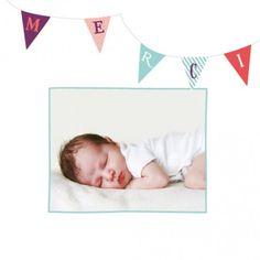 Carte de remerciement (thank you card) : Petits fanions photo - by Jeanne Triochka pour http://www.fairepartnaissance.fr #naissance #remerciement #birth