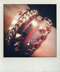 We love this beautiful Hermès bracelet  via self service tumblr