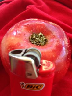 how to make a weed pipe from an apple