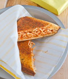 Spaghetti between garlic toast in pie iron!