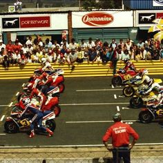 two-stroke machines at the start of the race. This was taken back in 1983 at the start of the South African MotoGP at Kyalami Grand Prix, 500cc Motorcycles, Freddie Spencer, Road Racing, Motorbikes, Sports, Diorama, Grid, Honda