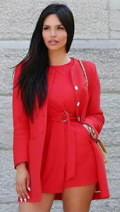 Red Fashion, Look Fashion, Fashion Models, Girl Fashion, Fashion Beauty, Sexy Outfits, Fashion Outfits, Jolie Photo, Latest Dress