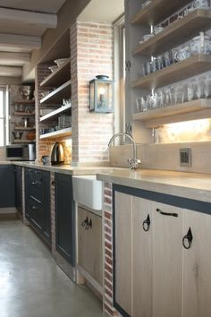 love this look with lanes ceramics klompies Architecture Design, Kitchen Cabinets, Cushions, Bricks, Table, Kitchens, Furniture, Architects, Kitchen Ideas