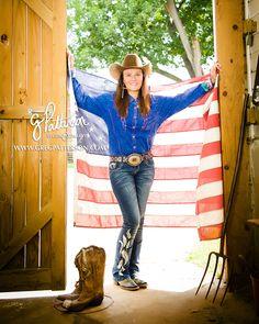 Senior portrait photography by Greg Patterson Nacogdoches photographer East Texas photography high school senior photo outdoor casual #gpattstudio #soworthit #seniors2016 ffa tx graduate
