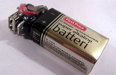 Battery-based USB chargers are pretty cheap, but it& always cheaper and more fun to make your own. The basic concept is a battery that powers a USB port so that you can juice up your gadgets. Diy Electronics, Electronics Projects, Cool Diy, Usb Drive, Usb Flash Drive, Linux, Make Your Own, Make It Yourself, How To Make