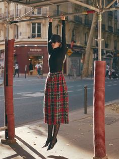 Greg Swales for Harper's Bazaar Serbia with Madison Headrick - Maria Ivanova Lara Stone, Sandro, Daily Fashion, Style Photoshoot, Photoshoot Ideas, Harper's Bazaar, Cool Outfits, Fashion Outfits, Fashion Photography Inspiration