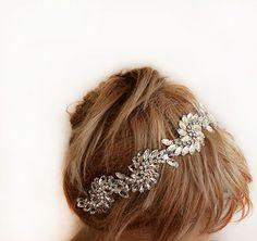Hey, I found this really awesome Etsy listing at https://www.etsy.com/listing/187951232/bridal-crystal-headband-wedding-headband