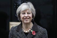 رئيسة وزراء بريطانيا تسعى لتعزيز التجارة مع الهند قبل الانفصال -  Reuters. رئيسة وزراء بريطانيا تسعى لتعزيز التجارة مع الهند قبل الانفصال لندن (رويترز)  تسعى رئيسة الوزراء البريطانية تيريزا ماي في أول جولة تجارية لها منذ توليها مهام منصبها لتعزيز العلاقات التجارية مع الهند قبل انفصال بريطانيا عن الاتحاد الأوروبي. وقال مكتب ماي إن الزيارة التي ستبدأ مساء يوم الأحد ستركز على خفض الحواجز أمام حركة التجارة والاستثمار وستمهد الطريق لإبرام اتفاق تجارة حرة في أقرب وقت ممكن بعد خروج بريطانيا من…