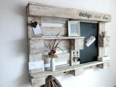 Wall shelves - vintage memo wall shelf made of euro pallets - a unique product by Pal . Wall shelves – vintage memo wall shelf made of euro pallets – a unique product by Paletino on D Diy Pallet Furniture, Diy Pallet Projects, Pallet Ideas, Palettes Murales, Wand Organizer, Pallet Shelves, Rustic Farmhouse Decor, Cool Walls, Vintage Walls