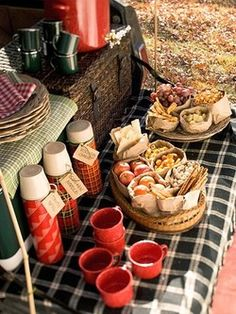 autumn-afternoon picnic --- love it.