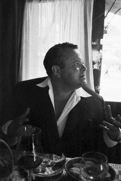Orson Welles, París,1958. Fotografía de Georges Menager