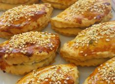 Homemade donut recipe with dill - Dill pastry🌺 1 pack of margarine or 250 g butter 1 cup of oil 2 eggs (for yolk into white) 4 tab - Dill Recipes, Donut Recipes, Pastry Recipes, Cake Recipes, Yummy Recipes, Dill Soup Recipe, Pogaca Recipe, Homemade Donuts, Homemade Recipe