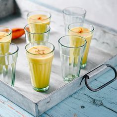 Sip This In The Sunshine: An Easy Coconut Turmeric Collagen Iced Latte Clean Eating, Healthy Eating, Healthy Cooking, Healthy Food, Registered Dietitian Nutritionist, Before And After Weightloss, Unsweetened Coconut Milk, Iced Latte, Latte Recipe