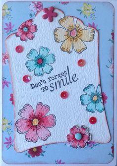 """""""Don't forget to smile"""" bloemenkaart met stempel en mal van Action"""