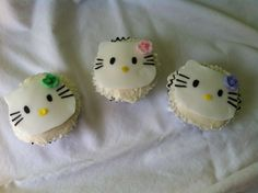 Hello Kitty Cupcakes  Cupcakes made with L♥VE by your ladies from ArtSy! #cakepops #sweets #artsycc
