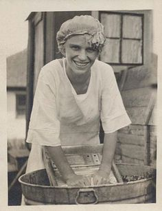 "+~+~ Vintage Photograph ~+~+  Wash Day  ""Oh yeah, life was so much easier in the ""good ol' days"" !"