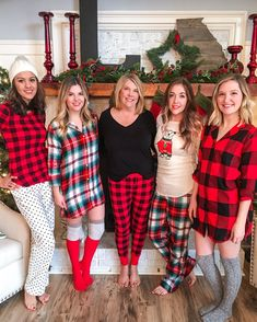 Sister Christmas pictures, family Christmas pajamas, Christmas home decor Pyjamas, Xmas Pajamas, Pajamas For Teens, Cozy Pajamas, Christmas Pajama Party, Family Christmas Pajamas, Christmas Morning Outfit, Christmas Christmas, Christmas Crafts