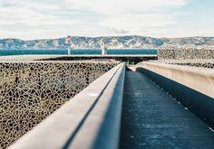 The strengths of our ultra-high performance concrete (UHPC) Ductal® took up the most technical challenges of the MuCEM in Marseille, France (by architect Rudy Ricciotti).