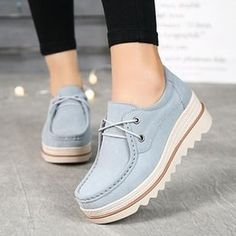 52 High Boots That Make You Look Fabulous - Shoes Fashion & Latest Trends Sneakers Mode, Girls Sneakers, Pretty Shoes, Cute Shoes, High Heel Boots, Heeled Boots, Fashion Boots, Sneakers Fashion, Latest Shoe Trends