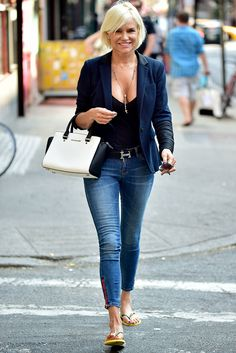 Yolanda Foster is seen in Soho on August 2014 in New York City. Denim Fashion, Look Fashion, Fashion Outfits, Womens Fashion, Yolanda Foster, Casual Outfits, Cute Outfits, Casual Chic, Celebrity Style