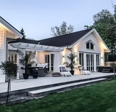 Pergola Patio, Backyard, Future House, My House, Hamptons Style Homes, House Goals, My Dream Home, Exterior Design, Beautiful Homes