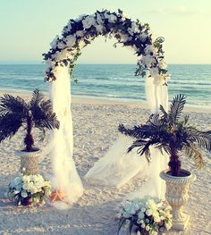 2014 white metal beach wedding arch, gauze beach wedding arch.
