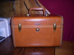 VINTAGE SAMSONITE LUGGAGE TWO SUITER SUITCASE SHWAYDER BROS ...