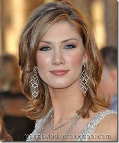 mother of the bride hairstyles for shoulder length hair Bride Hairstyles, Hairstyles With Bangs, Straight Hairstyles, Side Fringe Hairstyles, Hair Styles 2016, Medium Hair Styles, Short Hair Styles, Medium Length Hair Straight, Mother Of The Bride Hair